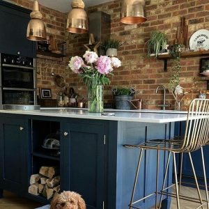 Exposed brick wall in a kitchen