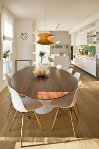 "<img src=""oval dining table.jpg"" alt=""oval shaped dining table"">"